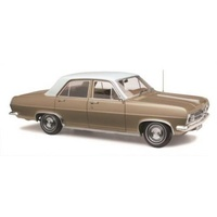 CLASSIC CARLECTABLES 1:18 HOLDEN HR LANDALE GOLD 43-18605