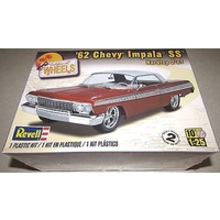REVELL 62 CHEVY IMPALA SS 2N1 1:25 4281