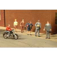 FIG,CITY PEOPLE W/MOTORCYCLE (7)