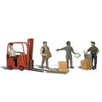 O WORKERS WITH FORKLIFT